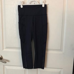 lululemon athletica Pants - Lululemon crop yoga legging